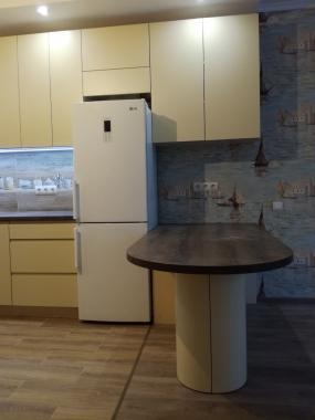 Кремовая кухня в современном стиле